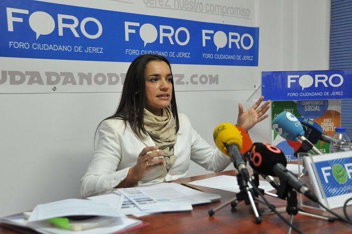 Rocío Montero en su anterior etapa como concejala por el Foro Ciudadano, partido político fundado por Pedro Pacheco