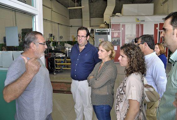 Alcaldesa_visita_polig_industrial_Garrapilos_en_La_Barca___03 b