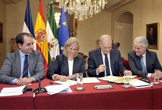 Alcaldesa firma convenio con Zona Franca _ Polig El Portal _ 01 b
