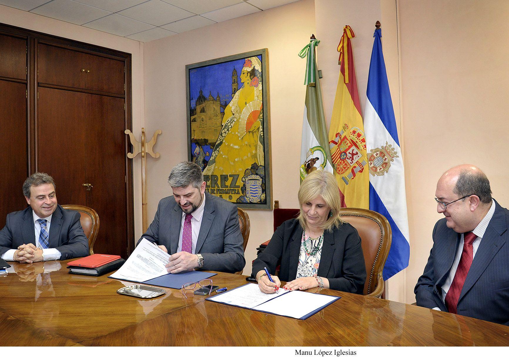 Alcaldesa_firma_convenio