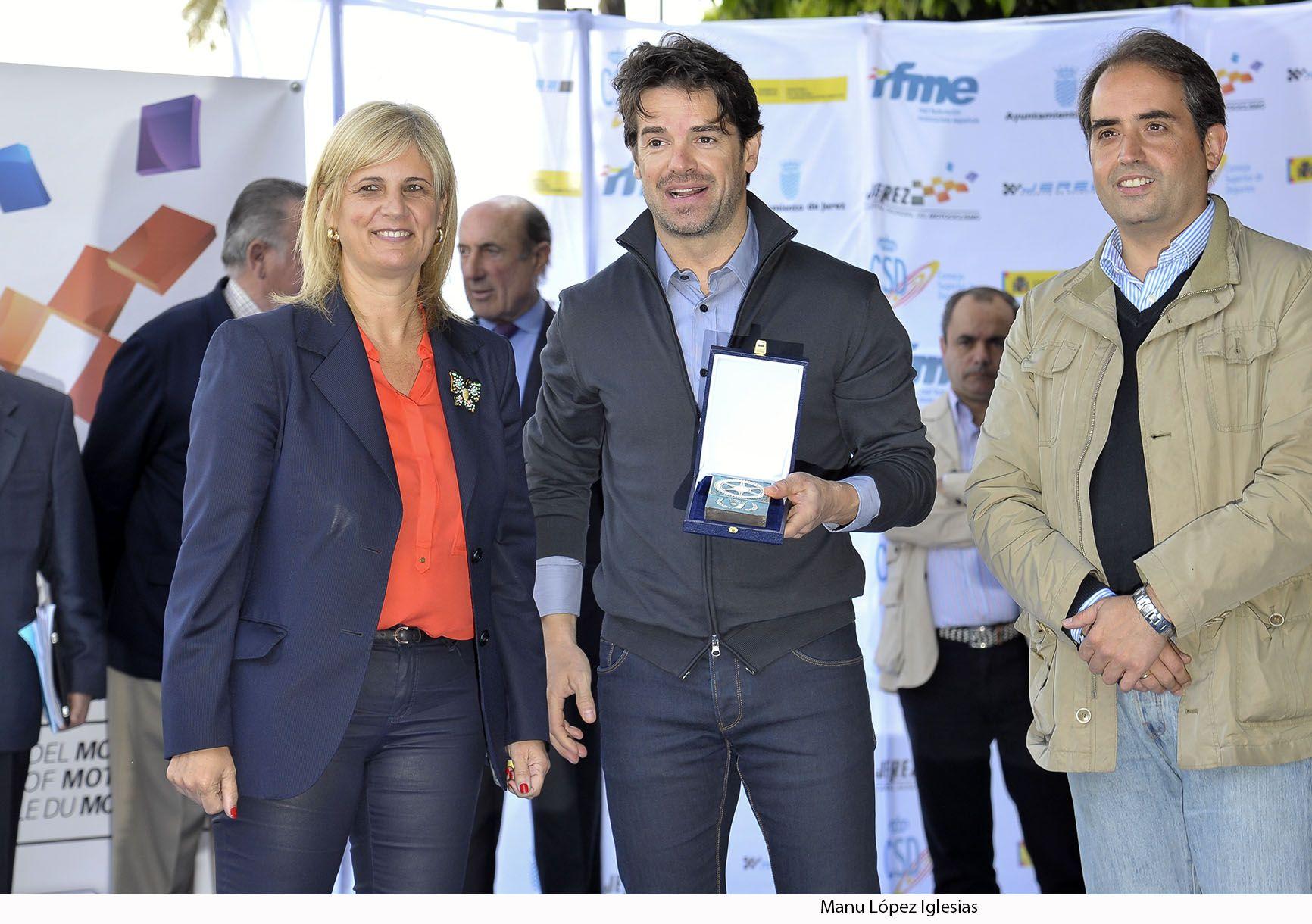 Alcaldesa en Paseo de La Fama _ Carlos Checa _ 03