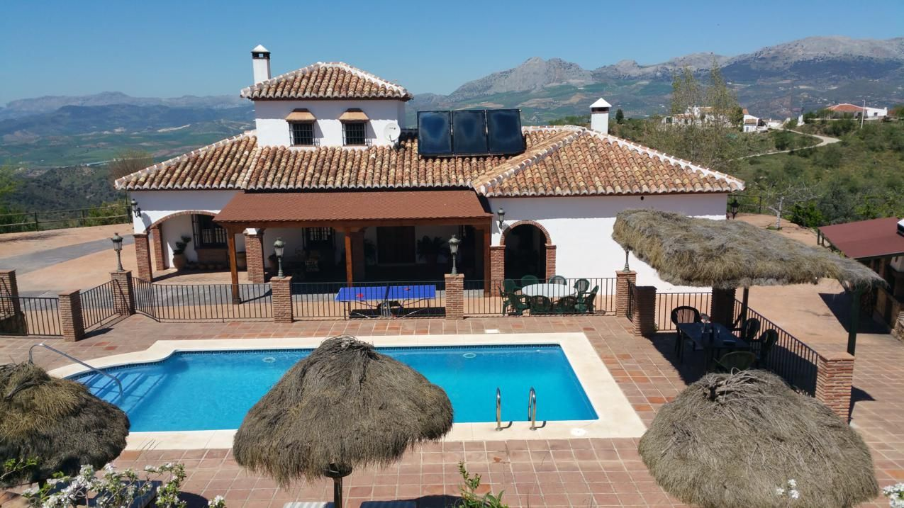 Las casas rurales andaluzas alcanzan el 25 de ocupaci n for Casa rural para cuatro personas con piscina