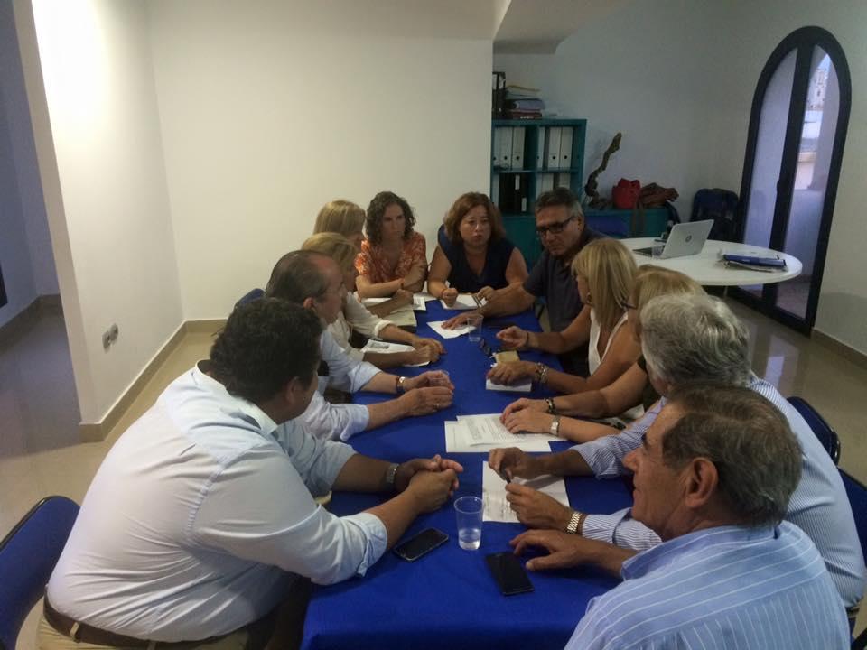 Reunión de García-Pelayo con los concejales populares