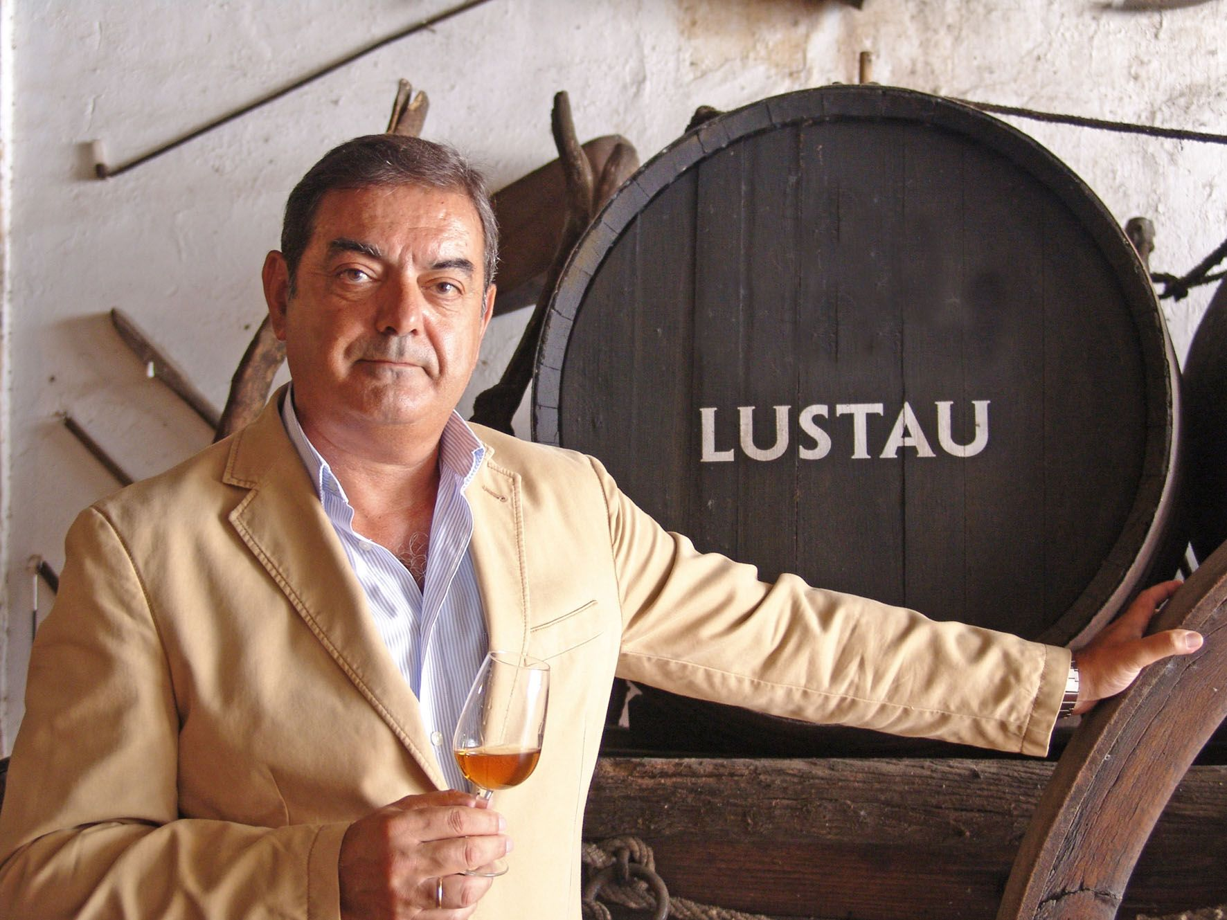 El enólogo y capataz de Bodegas Lustau, Manuel Lozano Salado, en una imagen de archivo