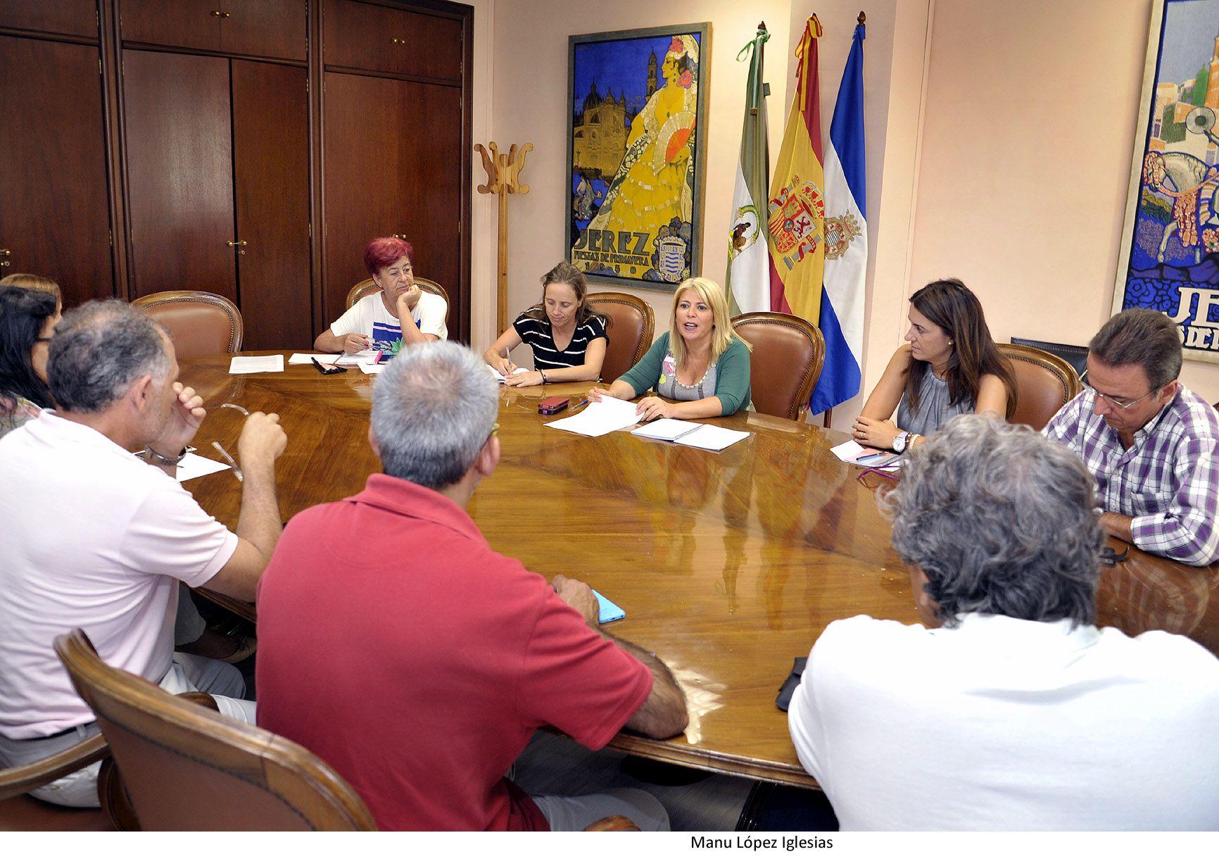 Alcaldesa con plataforma afectados ERE