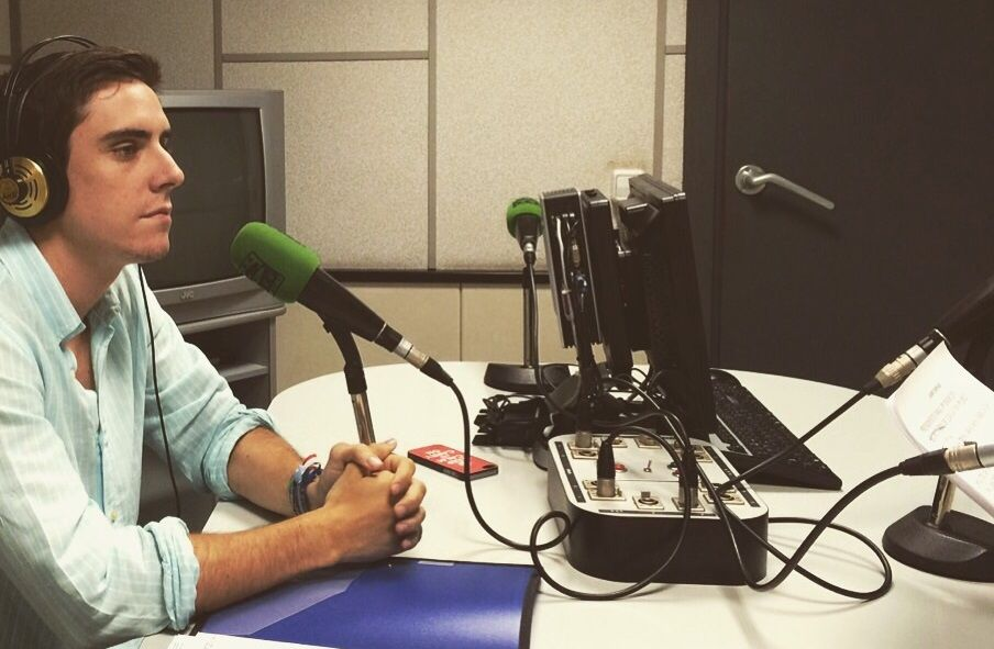 Espinar en la radio
