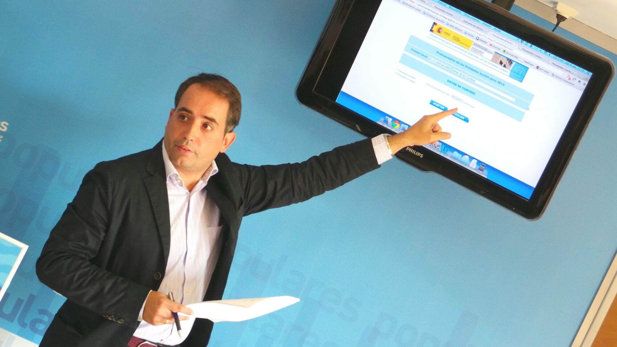 Antonio Saldaña remitiendo a la página de Hacienda donde se comprueba que la información ha sido enviada | 8 Septiembre 2015