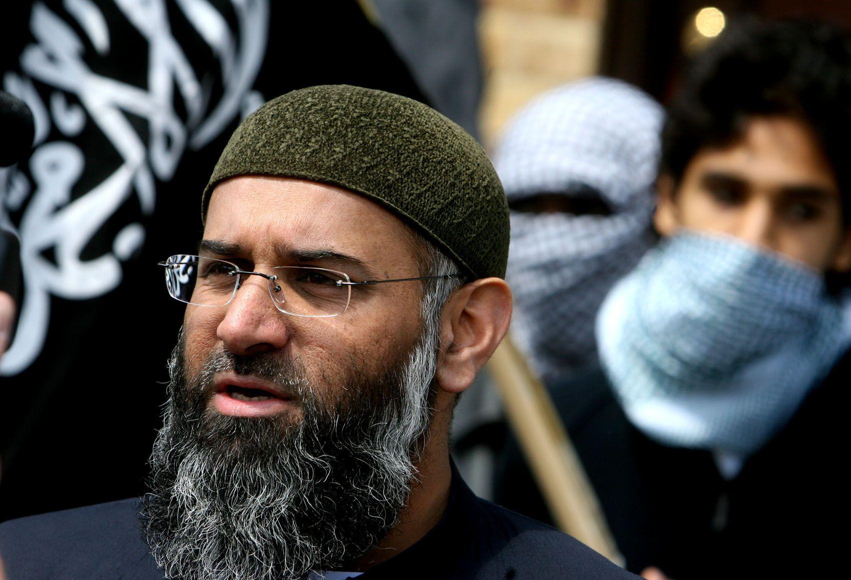 Anjem Choudary en una marcha de musulmanes contra los cruzados desde Leyton a Walthamstow | 30/7/11