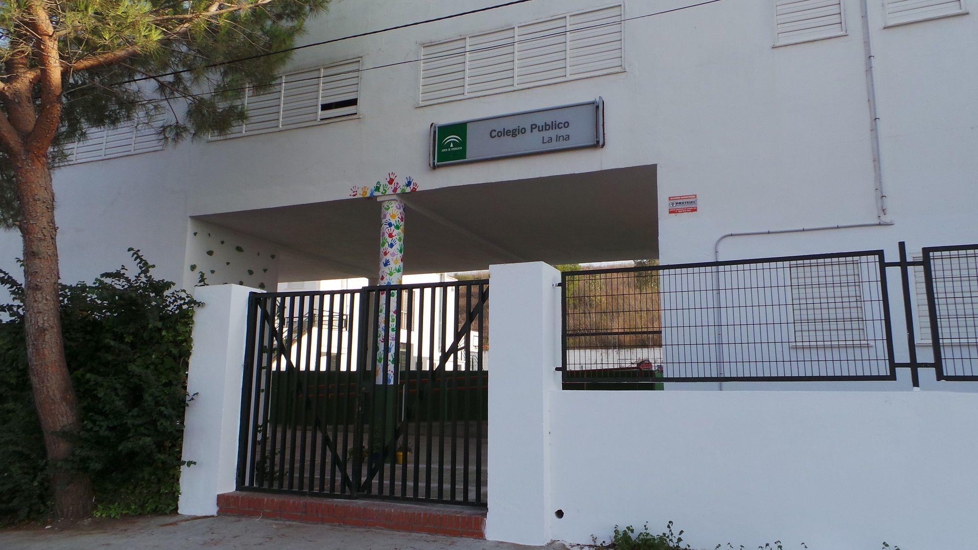 Fachada del CEIP La Ina.