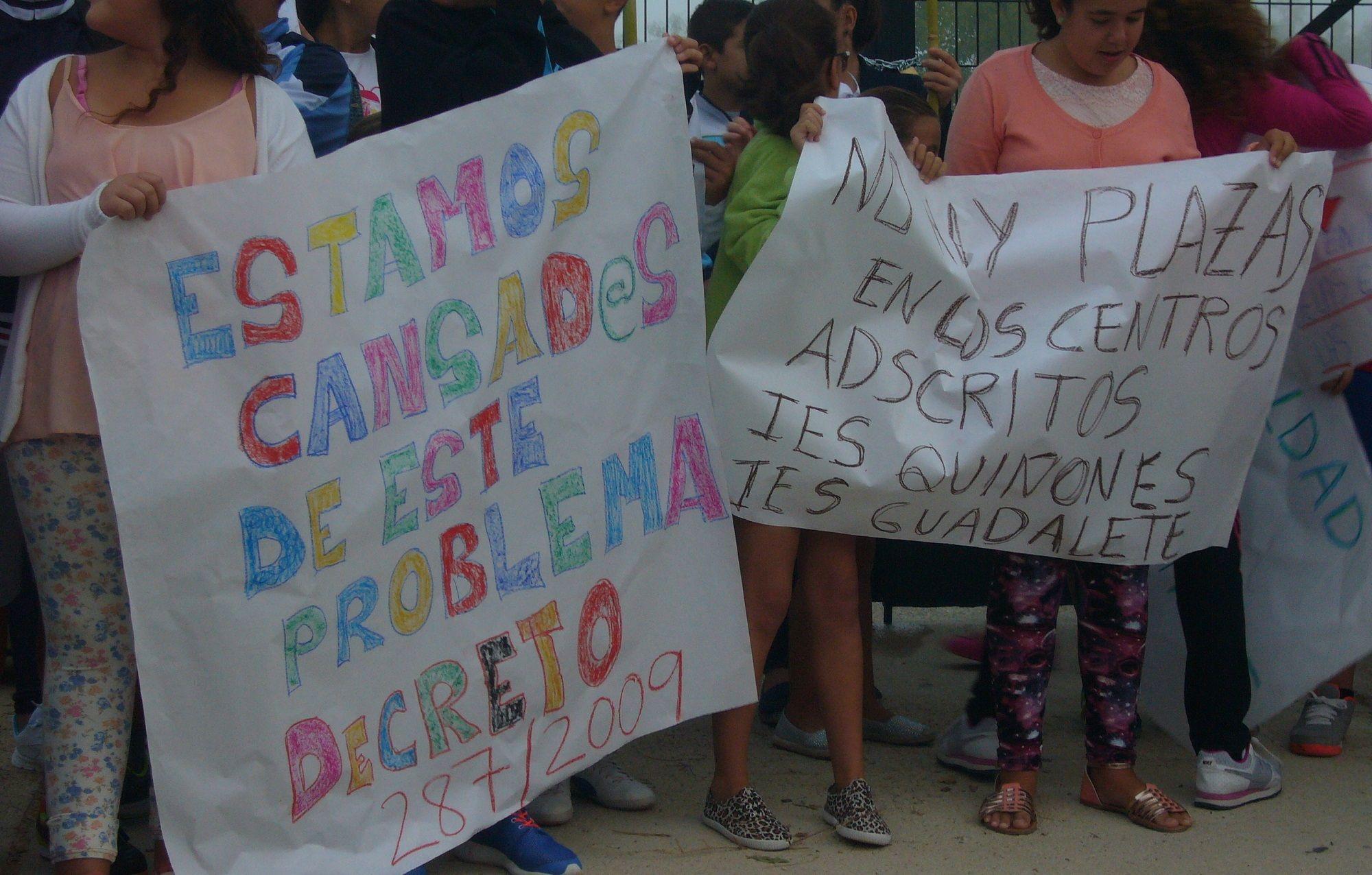 Protesta en Los Cuartillos por tener a alumnos sin poder usar el transporte escolar