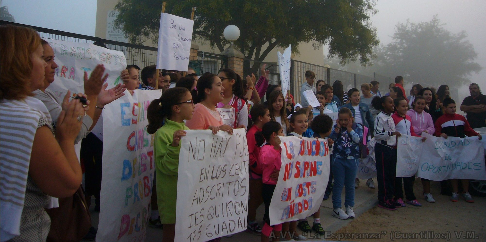 """A.VV. """"La Esperanza"""" (Cuartillos) en contra de la Delegación Territorial de Educación de Cádiz . V.M."""