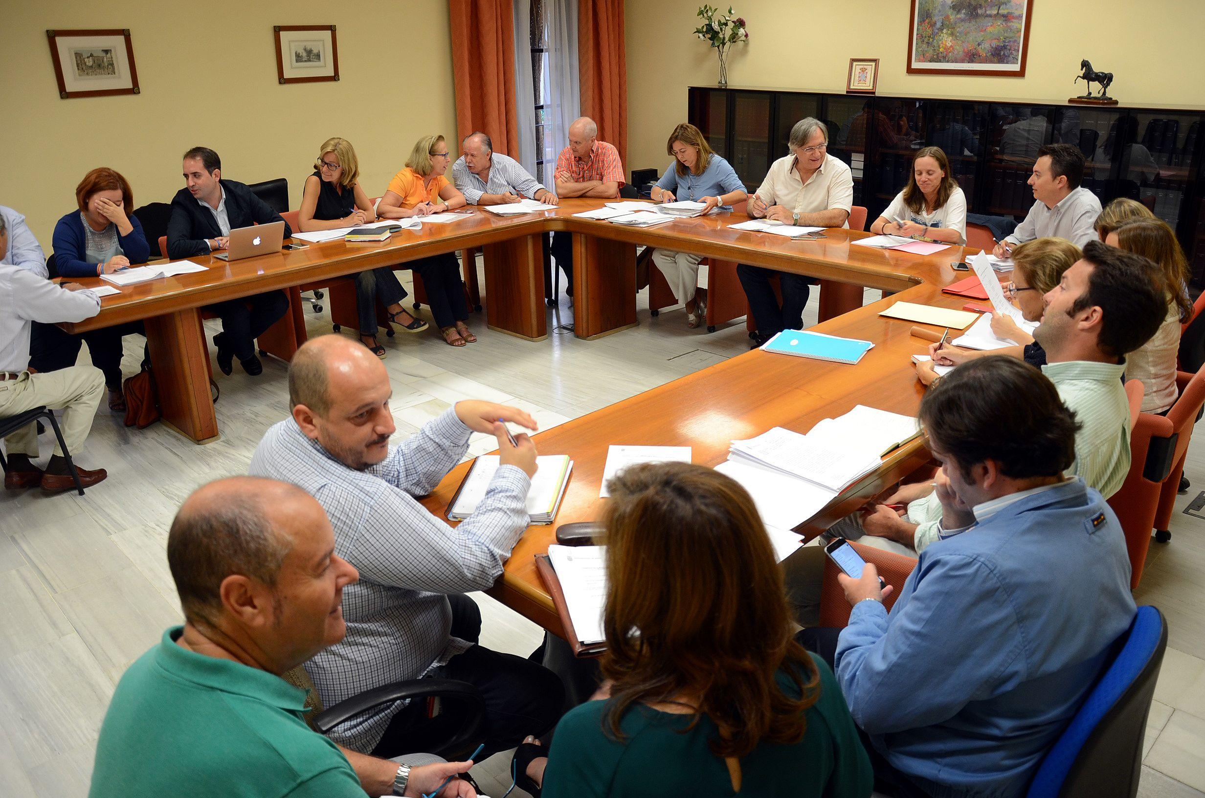 Comisión de pleno en el Ayuntamiento de Jerez. @ciudadjerez