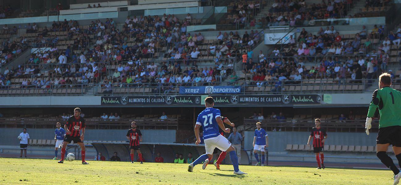 4100 espectadores presenciaron el encuentro en el Estadio Municipal de Chapín. XerezdeportivoFC
