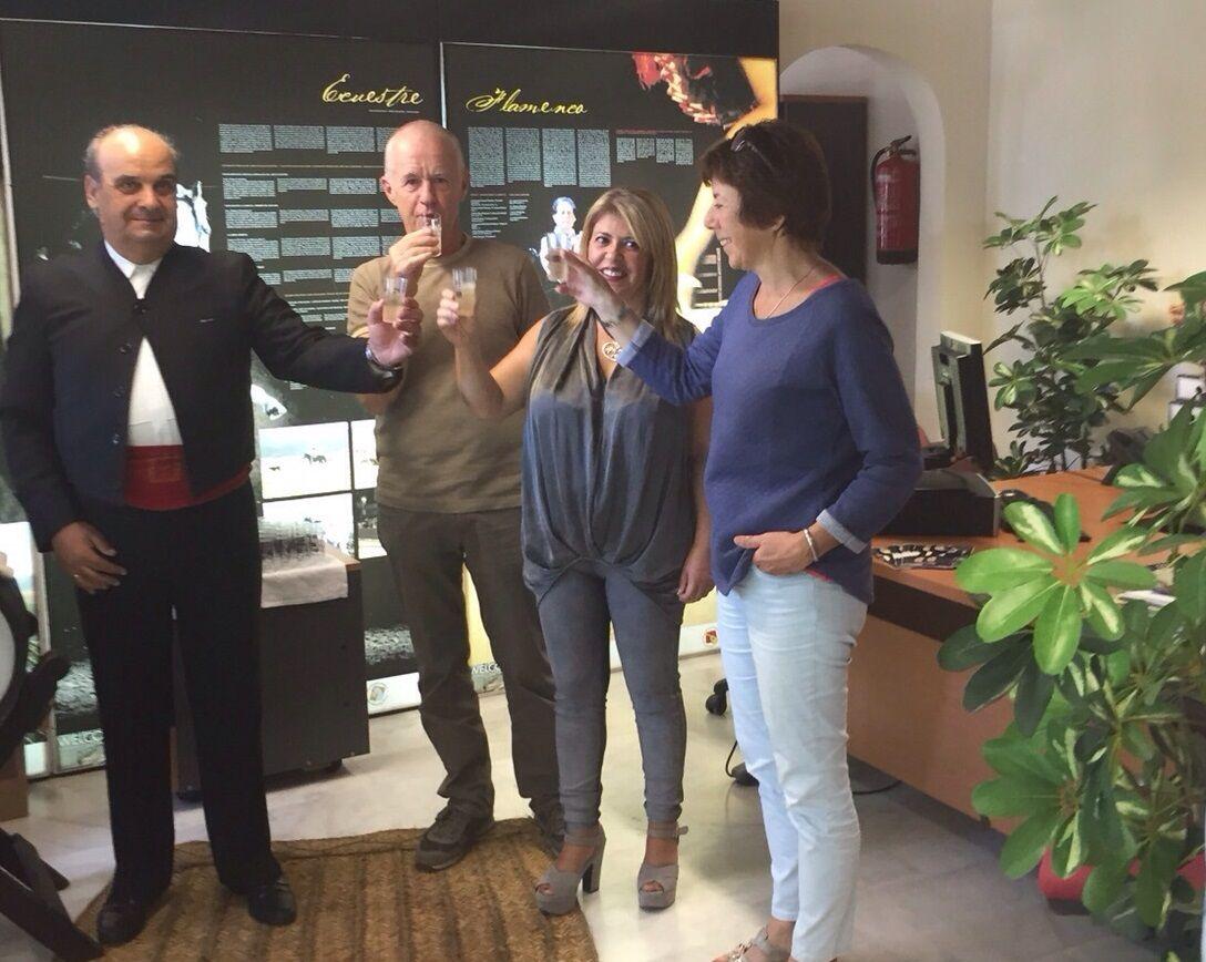 Mamen Sánchez ha brindado con vino de Jerez por el éxito de la jornada turística