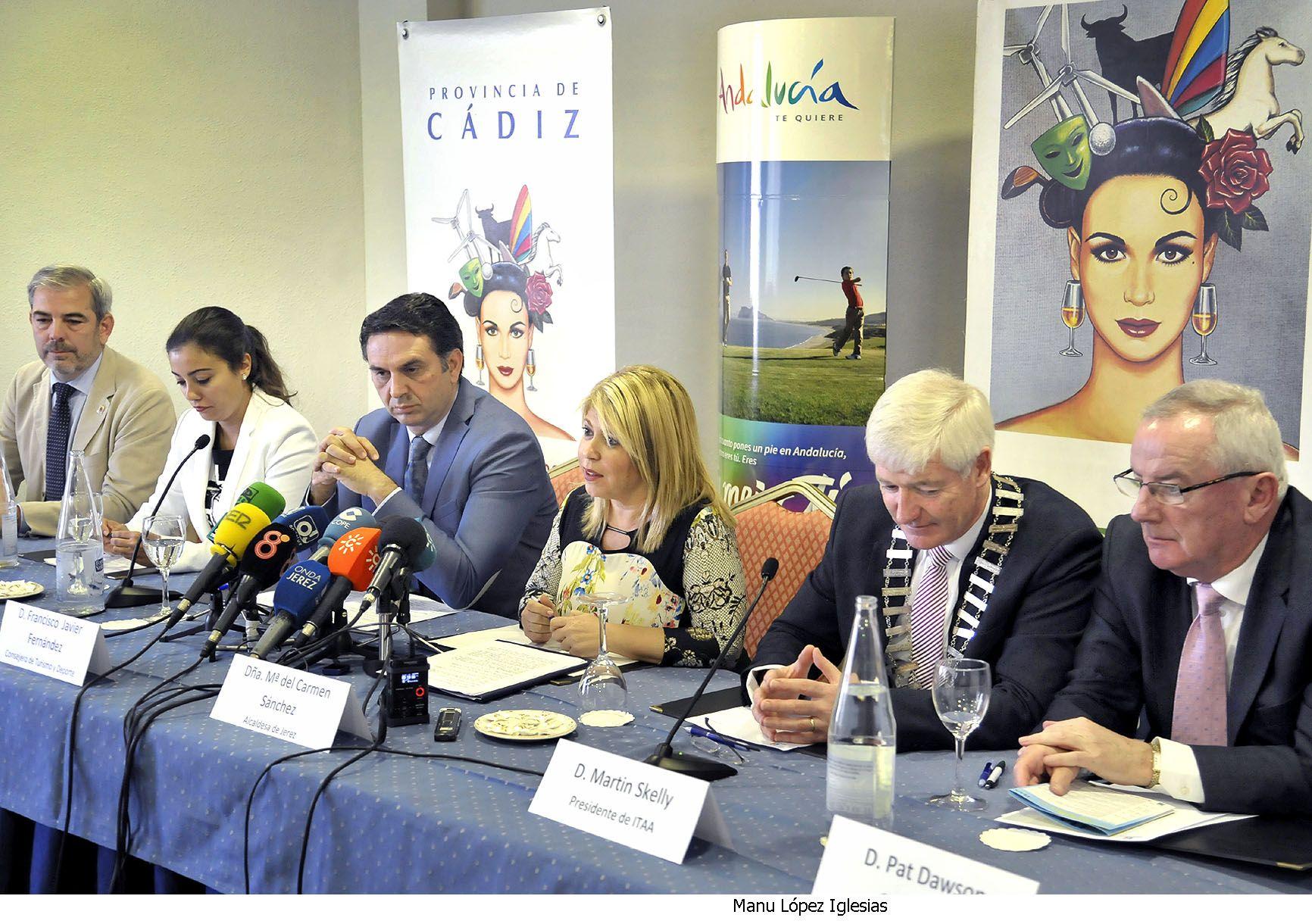 Mamen Sánchez compadeciendo en rueda de prensa congreso de (ITAA).
