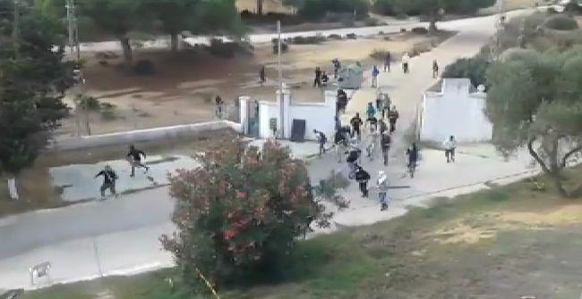 Imagen de la batalla entre aficionados del Cádiz y del Xerez CD