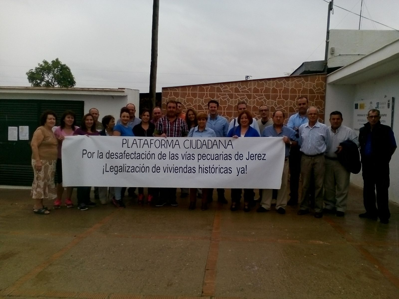 Concentración de la Plataforma Ciudadana por la legalización de las viviendas históricas.
