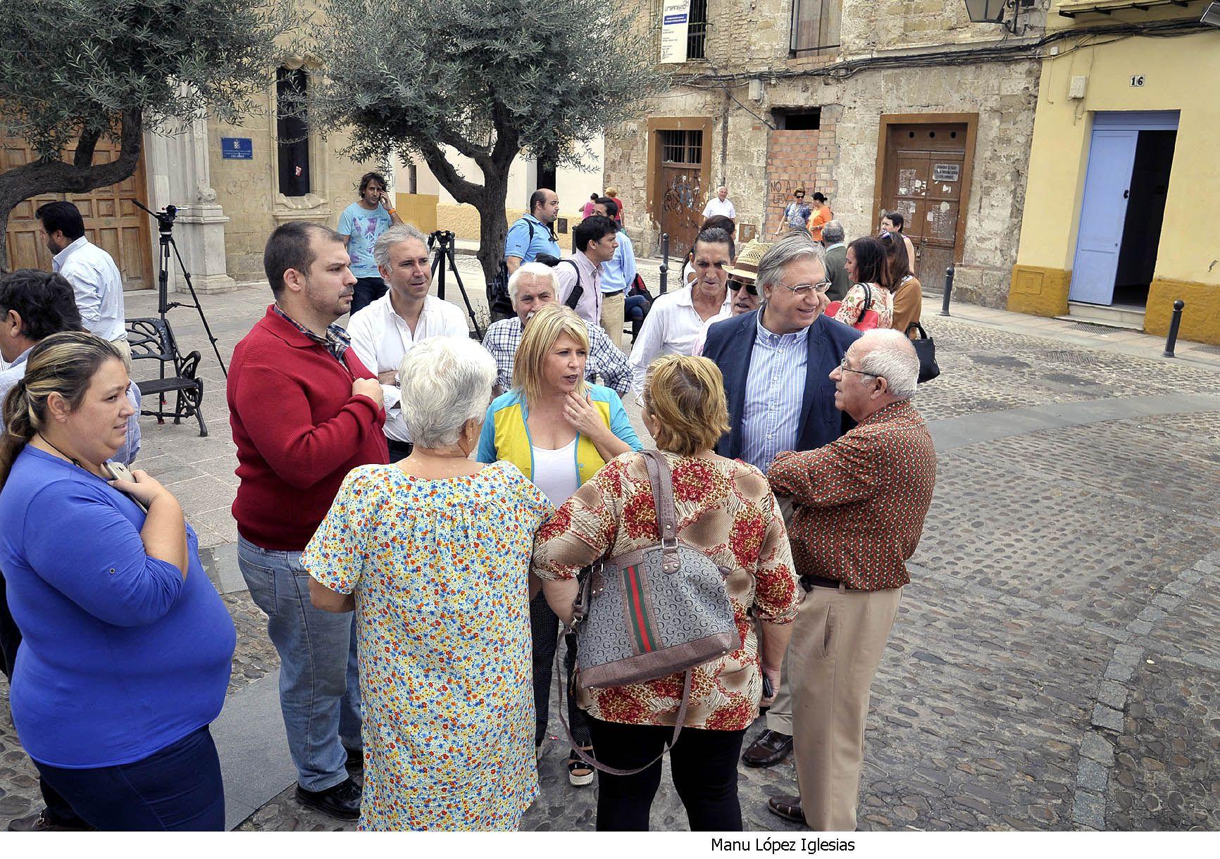 Alcaldesa_visita_barrio_San_Miguel___02