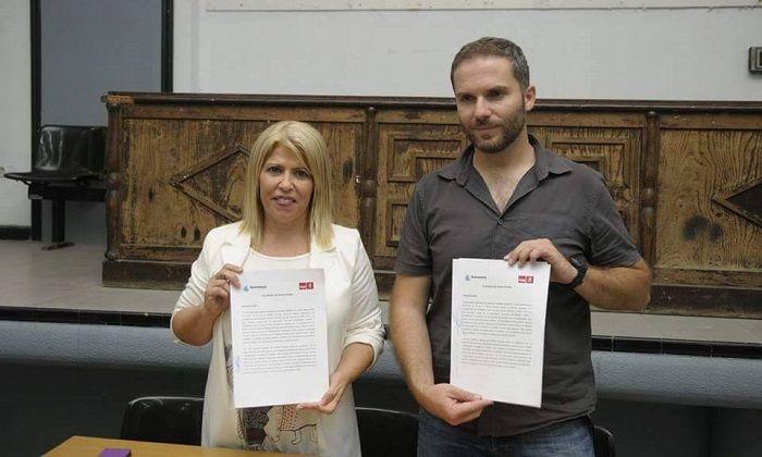 Momento del Acuerdo de Investidura de Ganemos y PSOE para hacerse con la alcaldía de Jerez