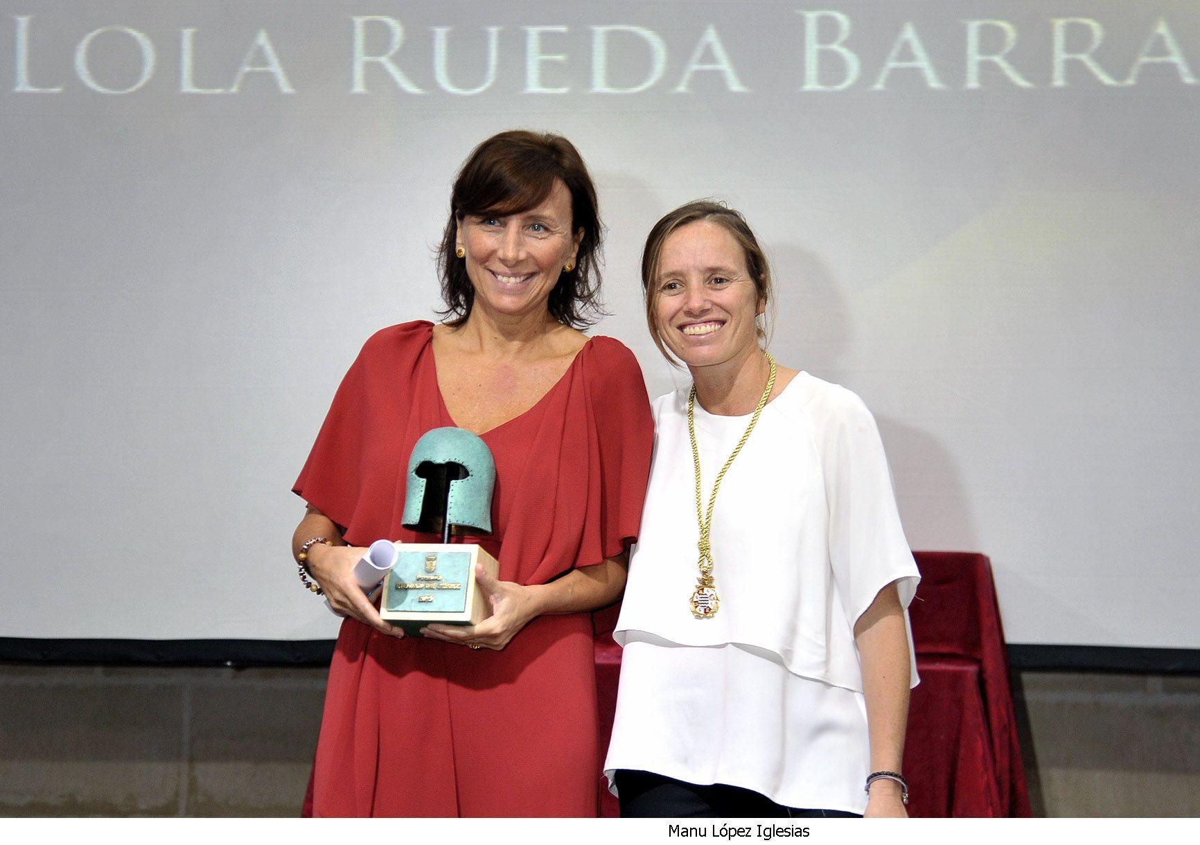 Lola Rueda junto a Laura Álvarez