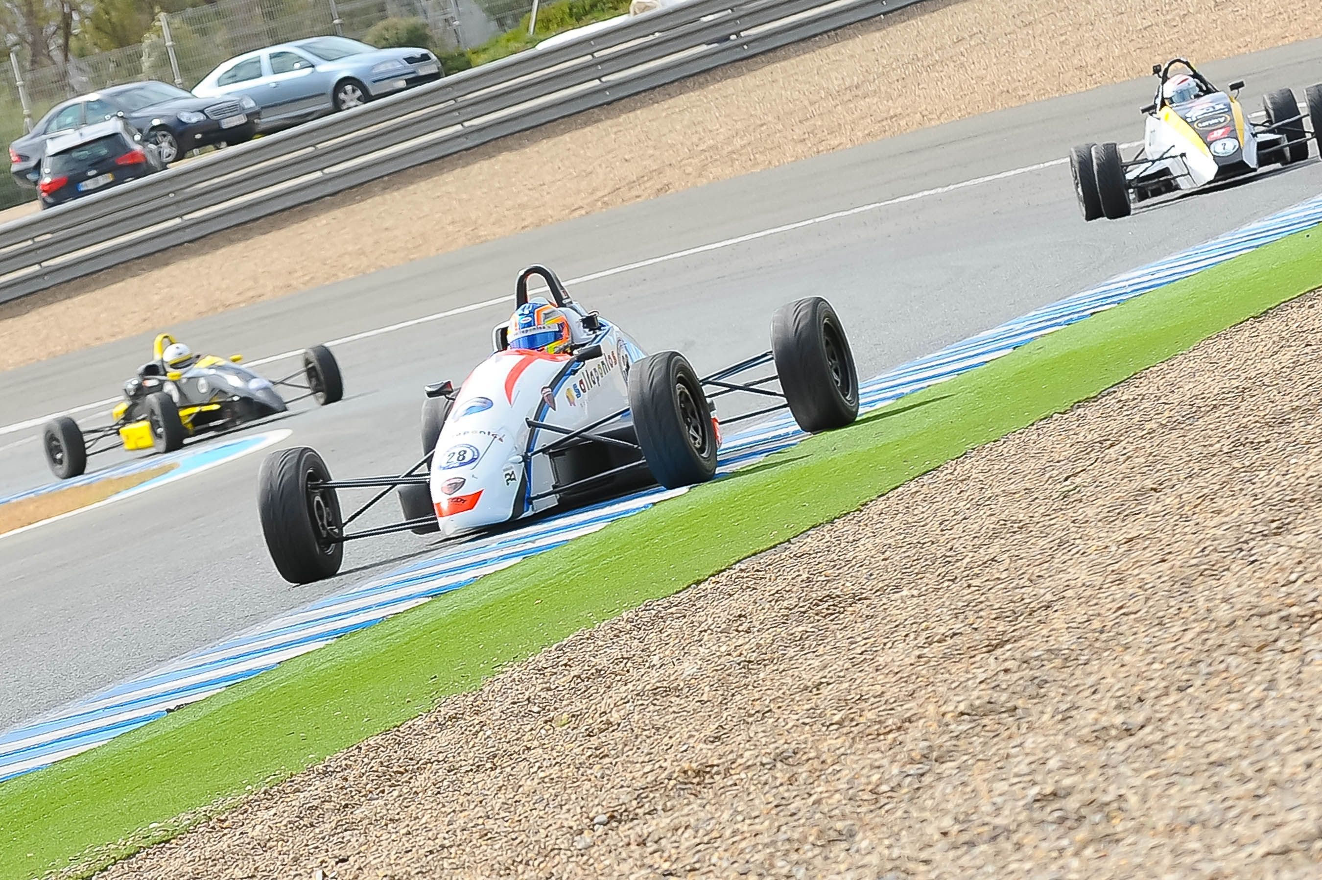 Single Seater Series con el ganador Cesar Machado en primer término