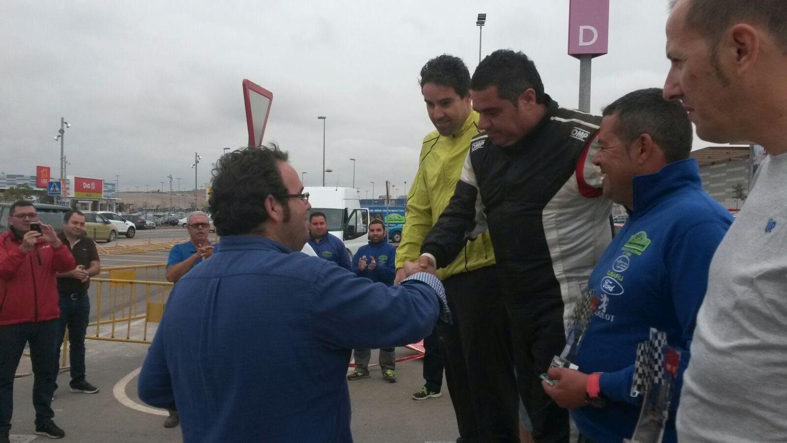 El alcalde de la Barca, Alejandro López ha hecho entrega de trofeos a los ganadores