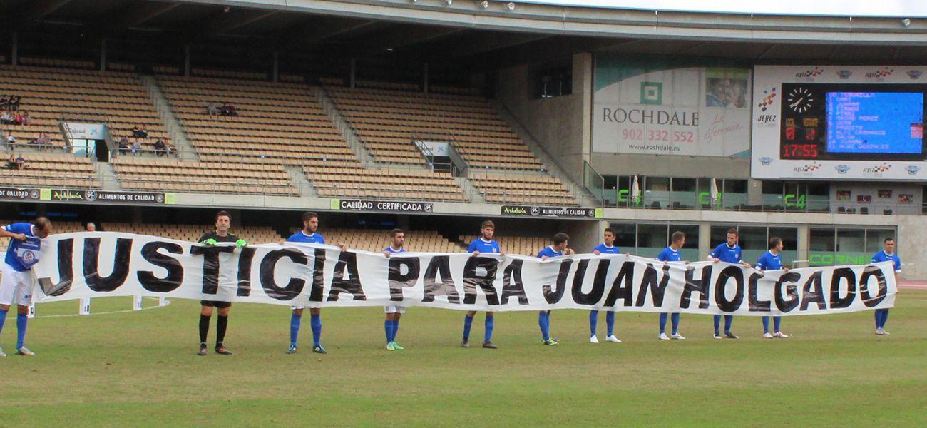 La plantilla del Xerez Deportivo FC pide Justicia para Juan Holgado, un caso que está a punto de archivarse quedándose sin resolver y con los asesinos en la calle
