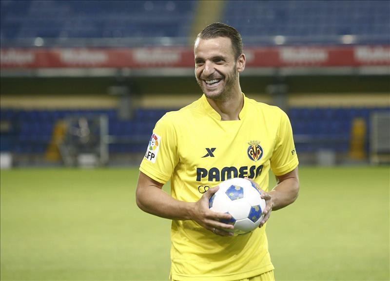 Roberto Soldado en su presentación con el Villareal.