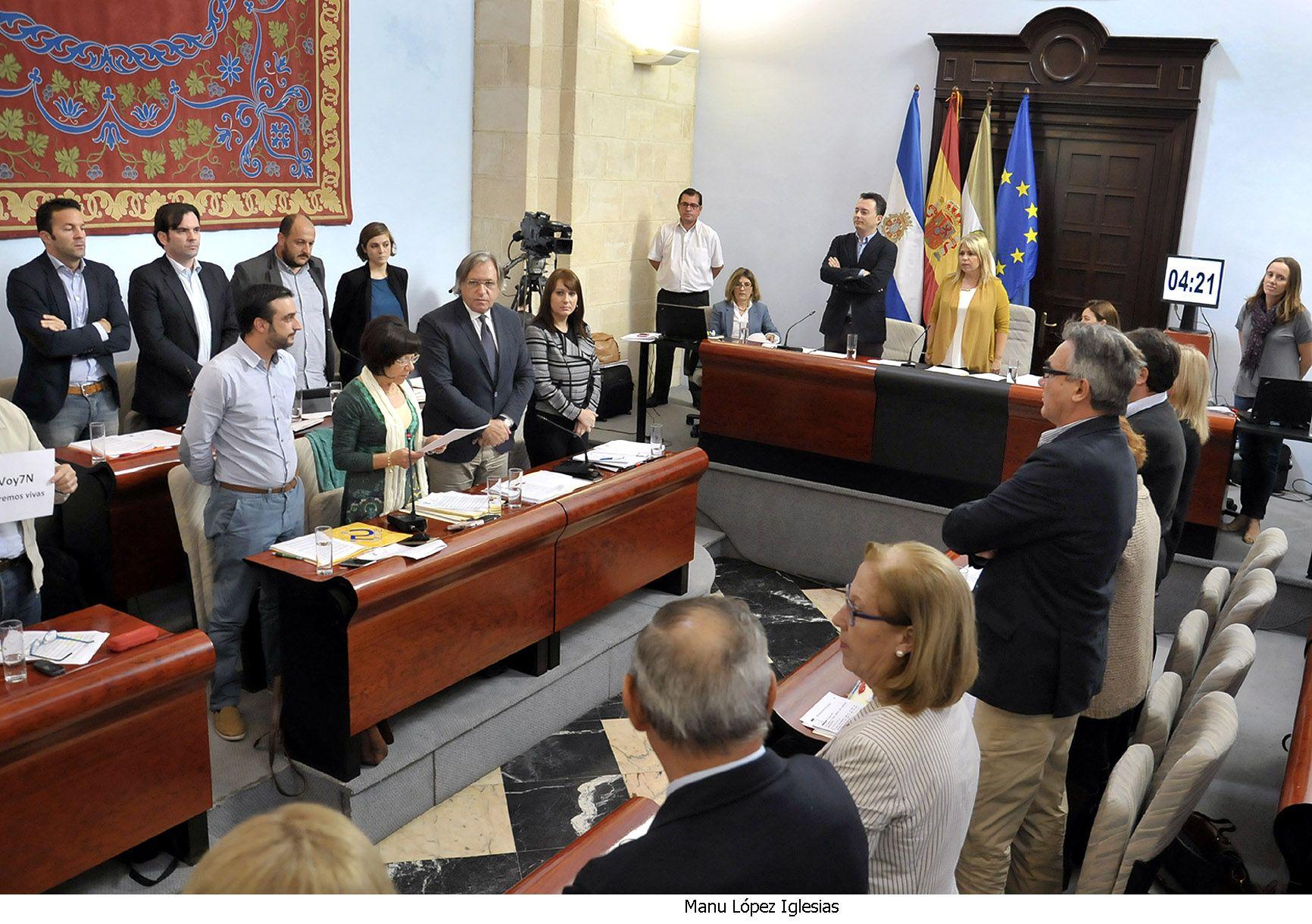 Alcaldesa preside Pleno _ 05