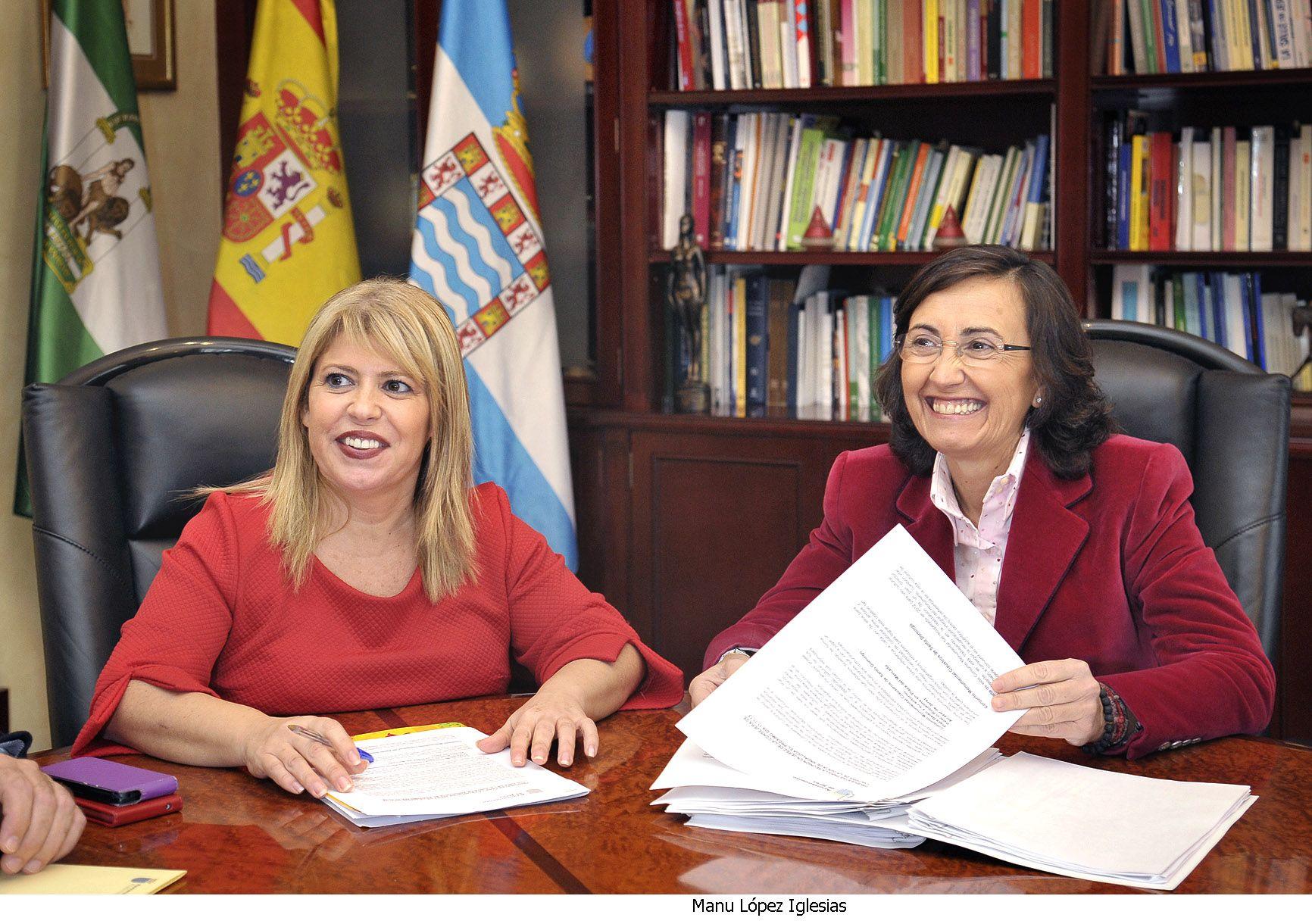 Mamen Sánchez y Rosa Aguilar en el Ayuntamiento de Jerez.