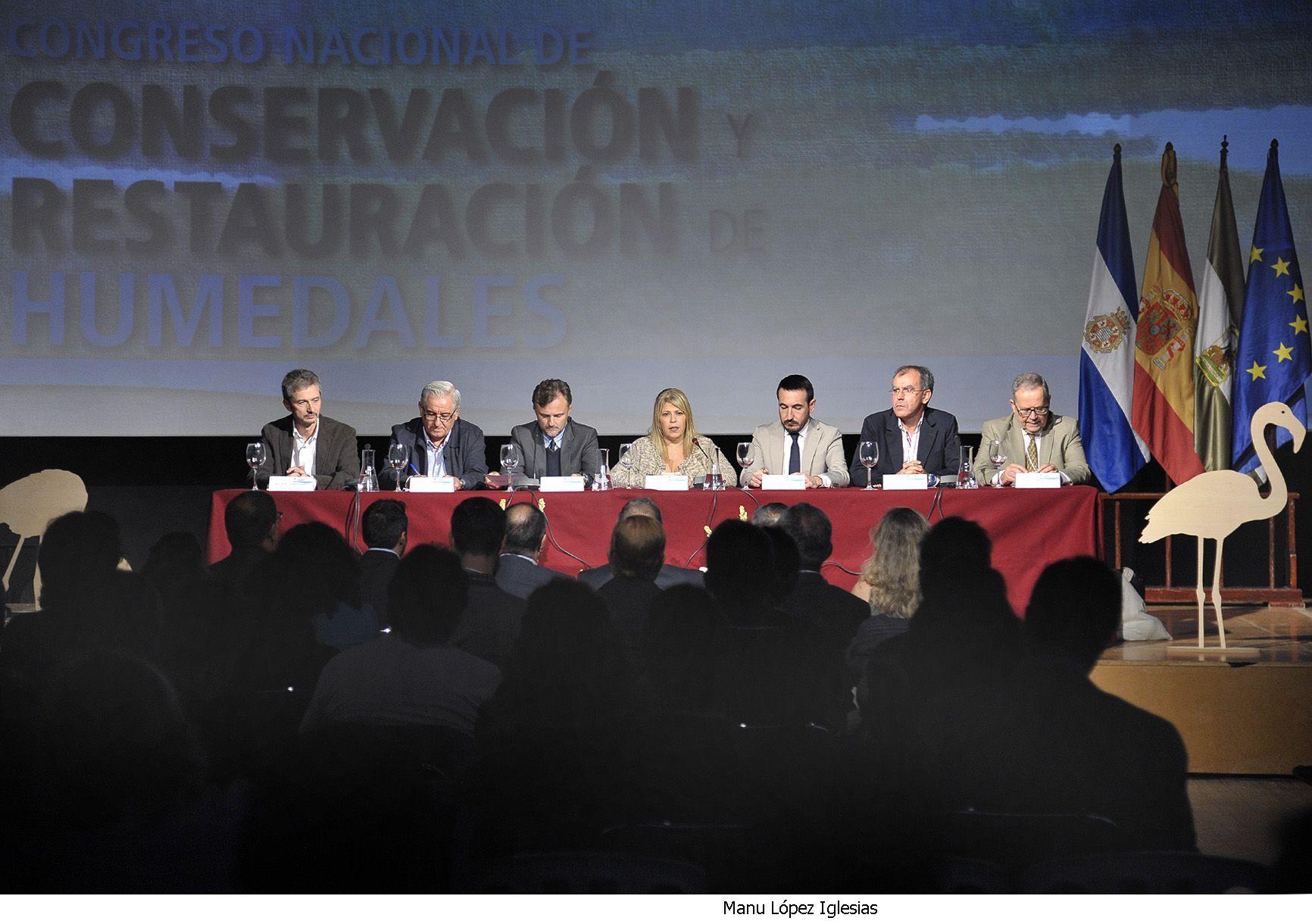 Alcaldesa y consejero Medio Ambiente inaug Congreso Humedales _ 05