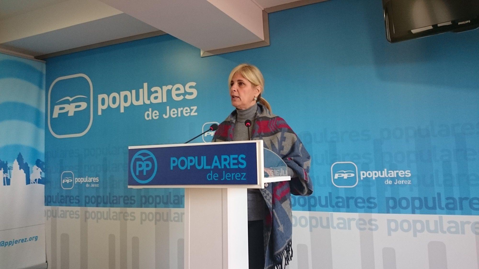 María José García-Pelayo en la sede del PP Jerez.