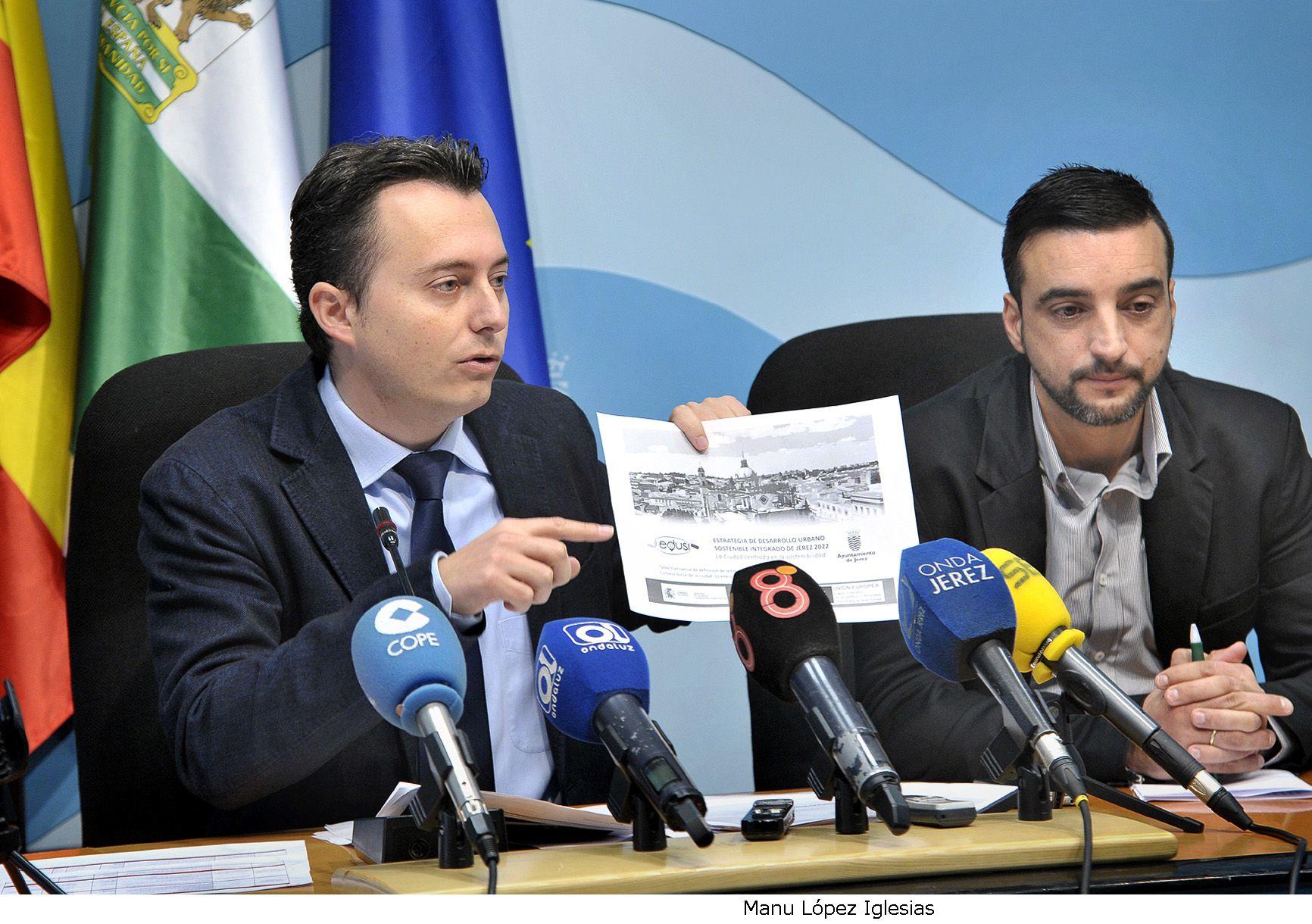 Santiago Galvan _ rueda de prensa