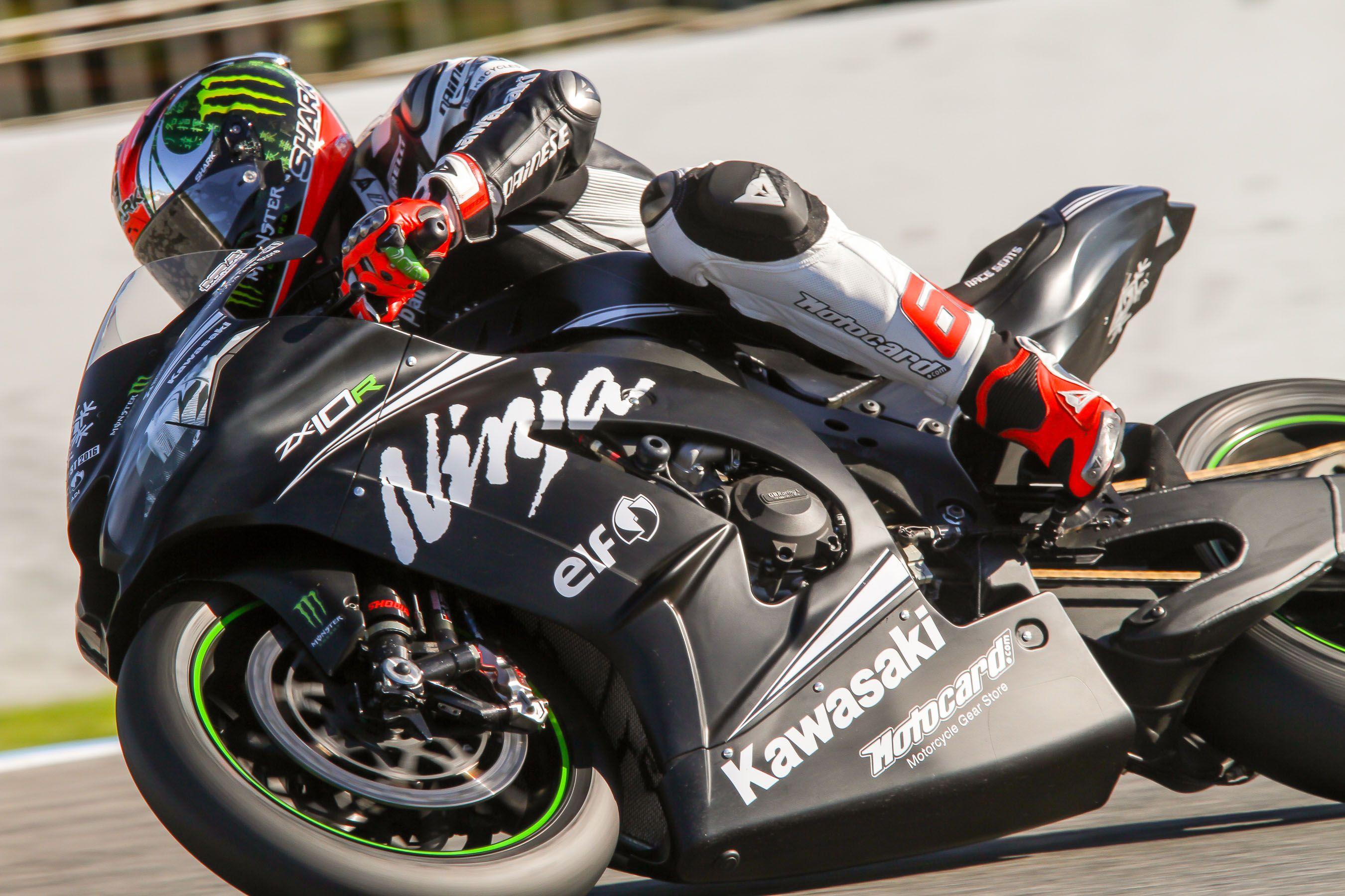 El británico Tom Sykes, piloto del team Kawasaki durante sus test de noviembre en Jerez