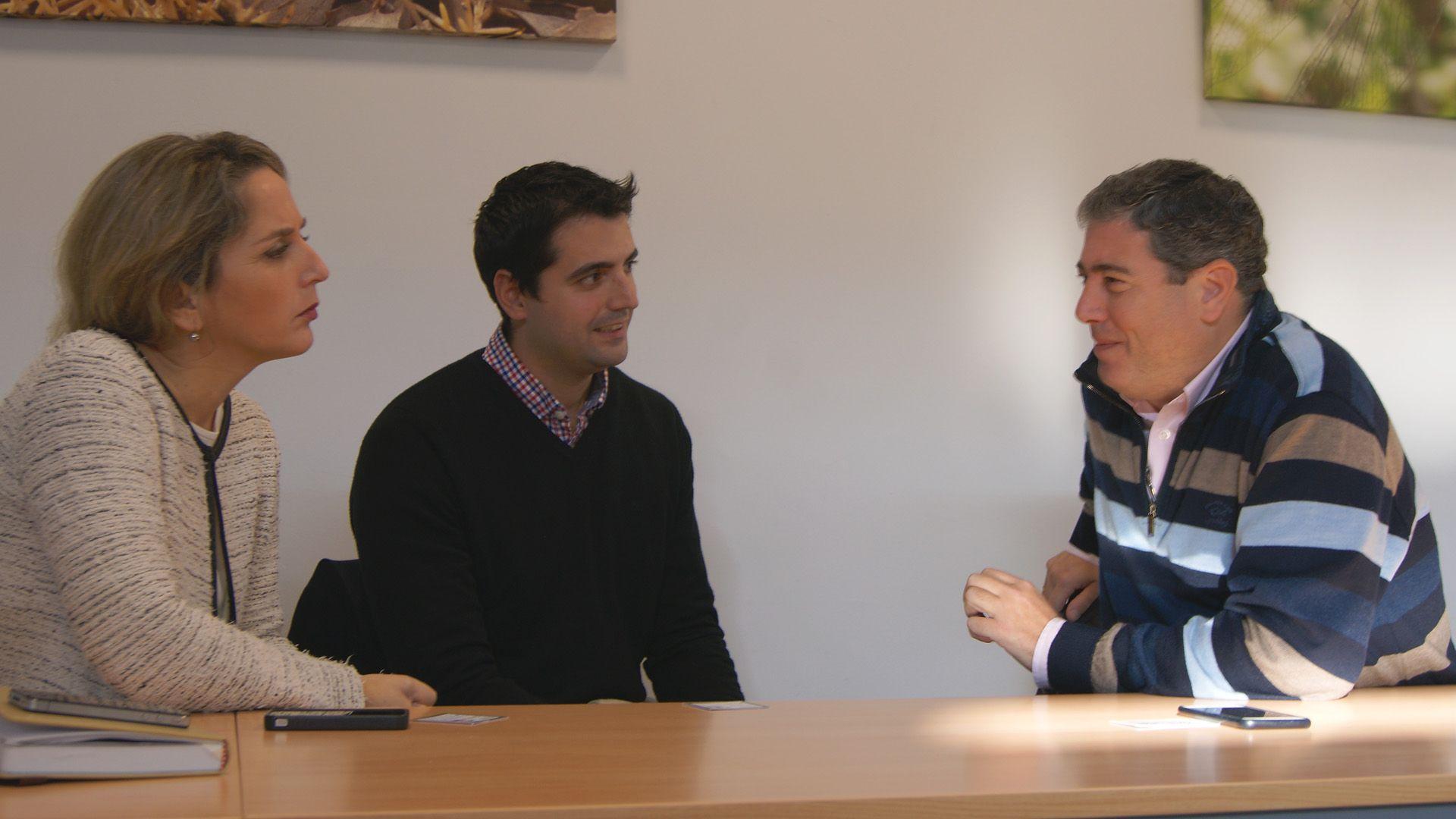 MIRA Comunicación reunidos con José Manuel Gago Girón, gerente de rentalibre.com