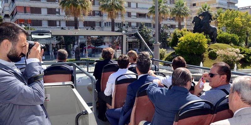 Bus turista plaza del caballo