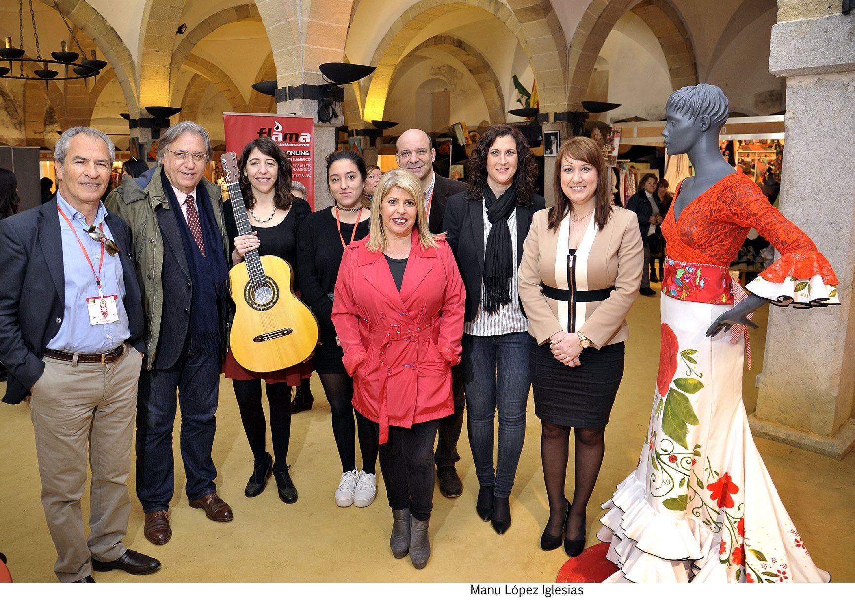 Alcaldesa visita la Lonja del Flamenco _ 01