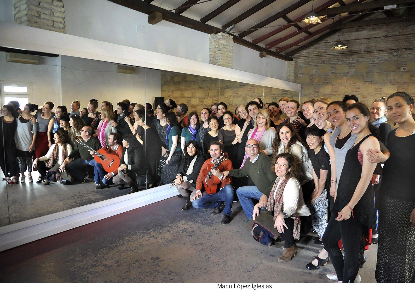 Alcaldesa visita talleres _ actividades paralelas Festival de Jerez
