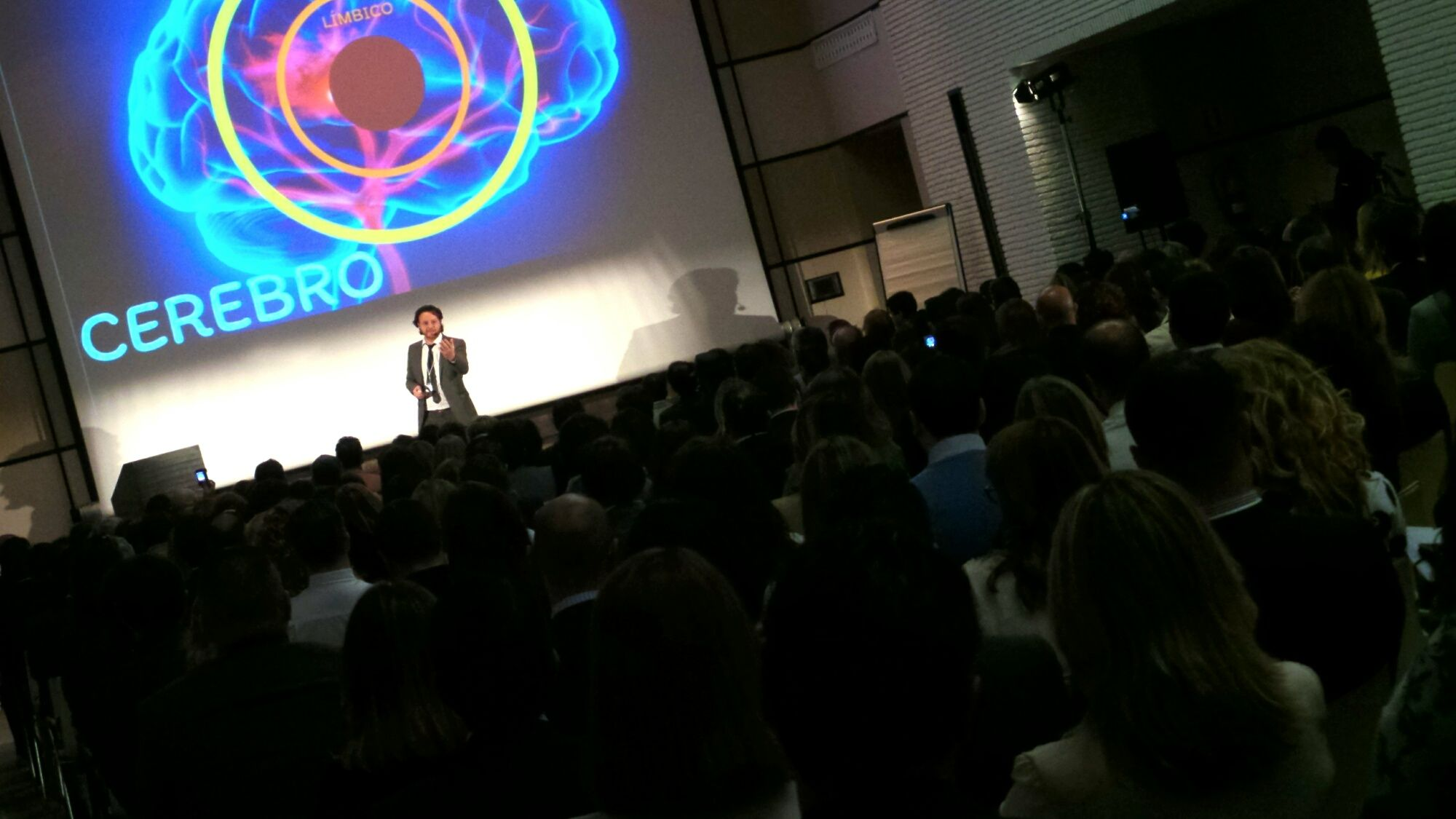 Jordi Pol en un momento de su ponencia | MIRA Comunicación