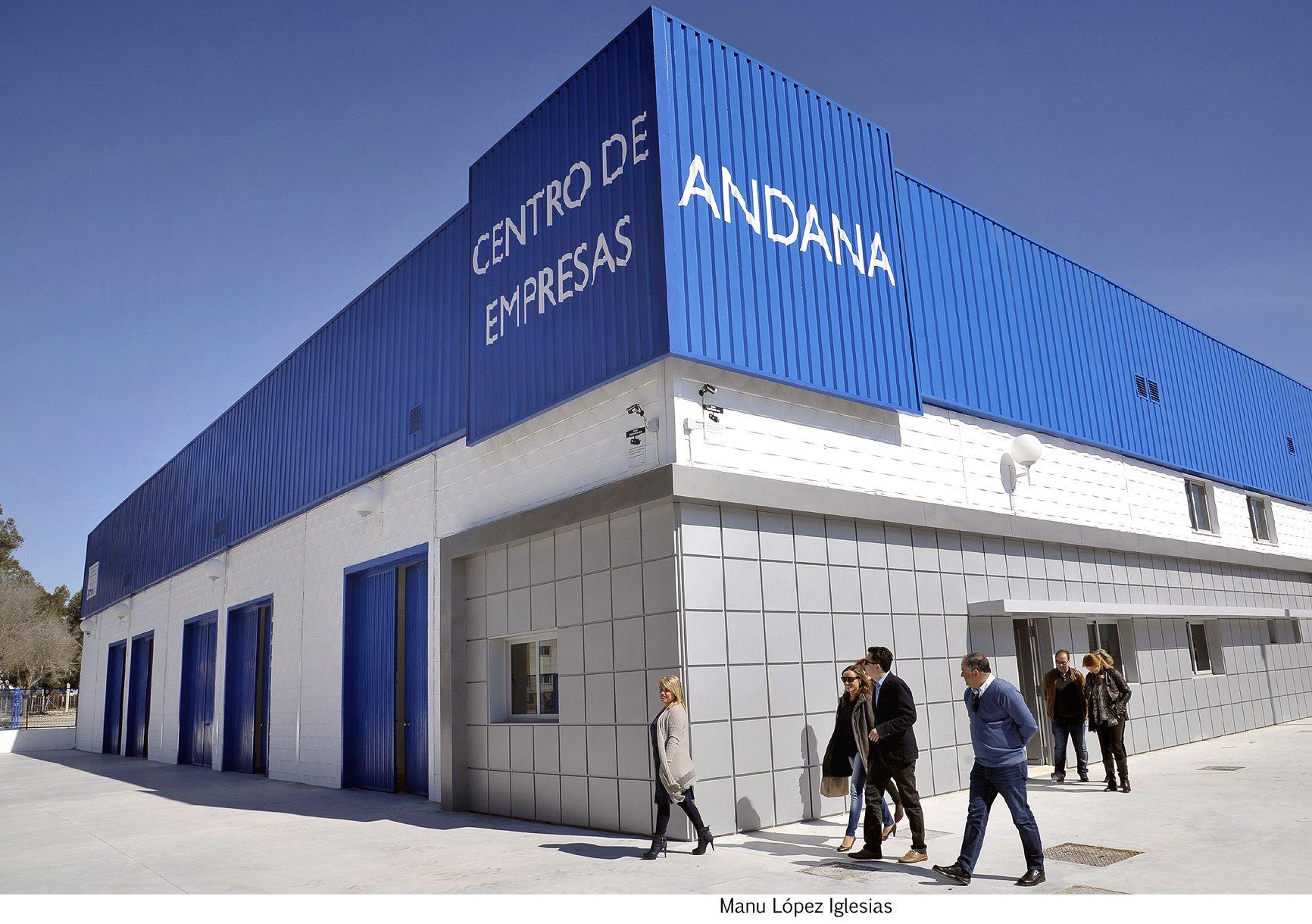 Alcaldesa visita Centro de Empresas Andana _ 01