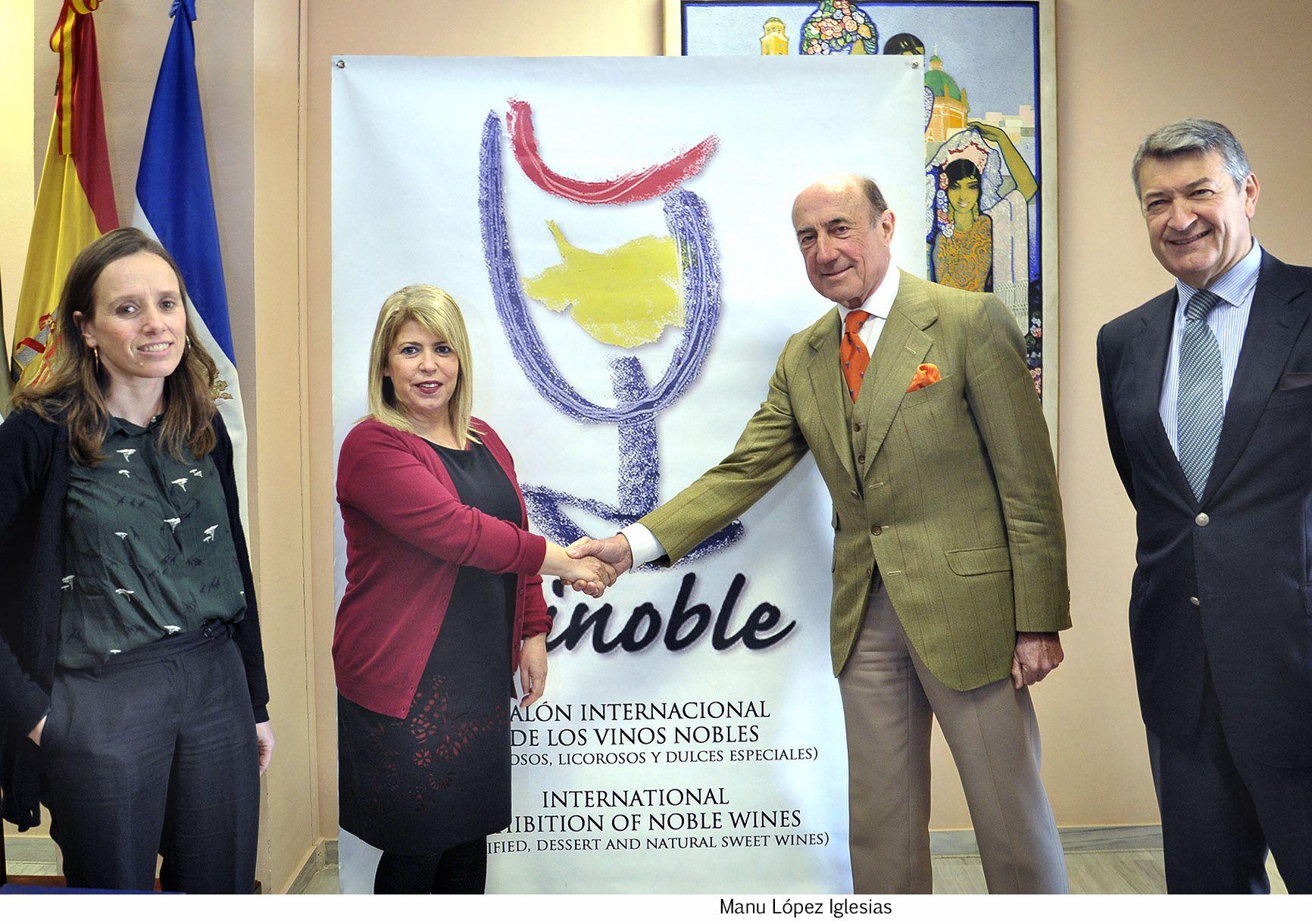 Alcaldesa firma convenio Vinoble _ 02