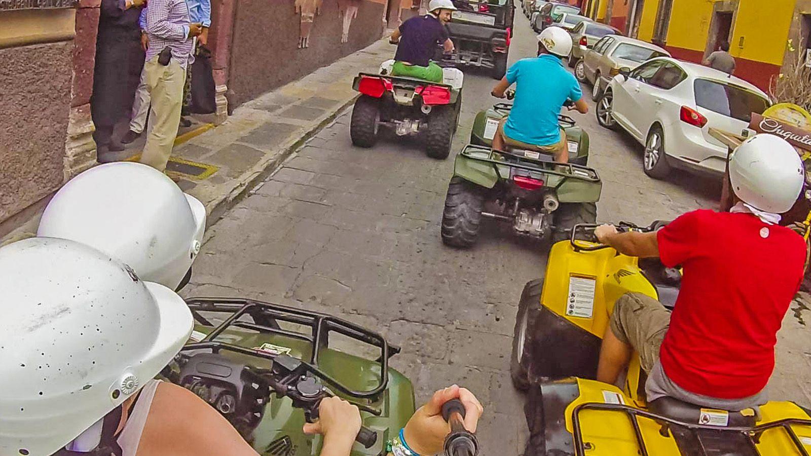 quads motos
