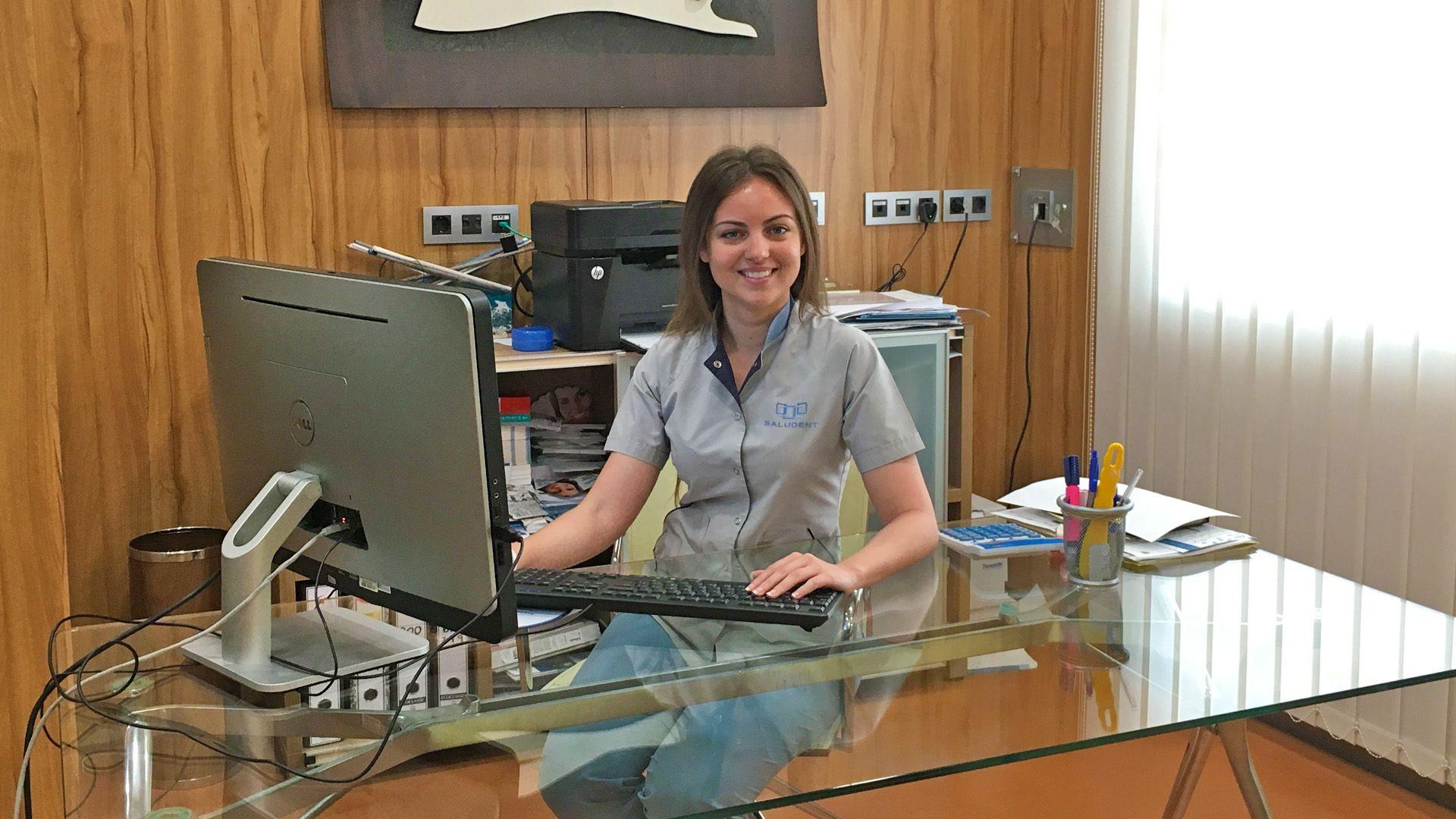 María Ángeles García,   Higienista Dental en Saludent | Imagen de Mewy Fernández para MIRA Jerez