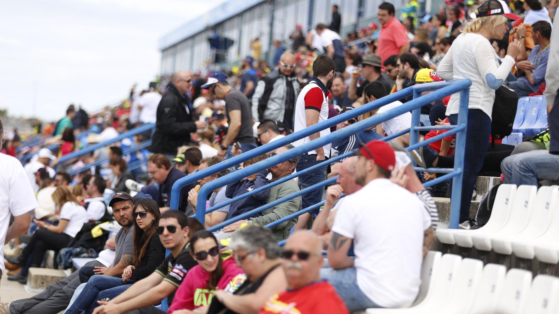 Gradería de público del circuito de Jerez - Domingo 24/04/2016   Imagen de Cristo García