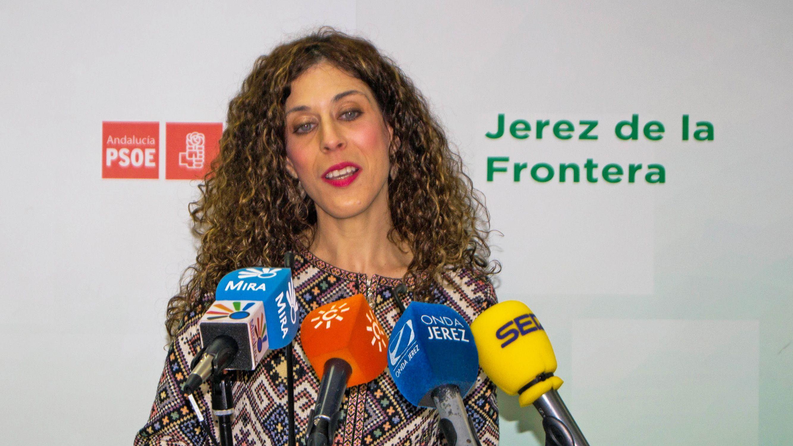 Miriam Alconchel en rueda de prensa en la sede del PSOE de Jerez | Pablo Illanas para MIRA Jerez