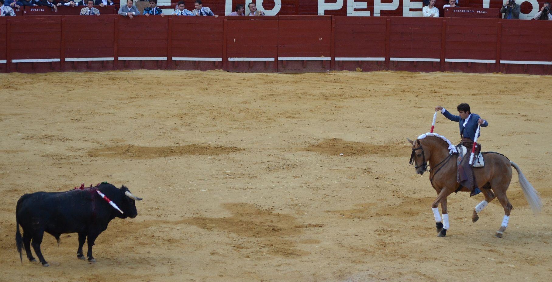 Sergio Galán, golpe de rejón sin romper; pinchazo y rejonazo; silencio | Marciano Breña