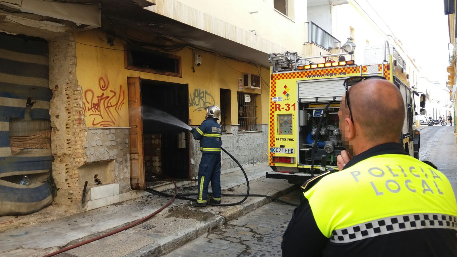 Incendio en calle Gaspar Fernández, Jerez. MAYO 2016   MIRA Comunicación