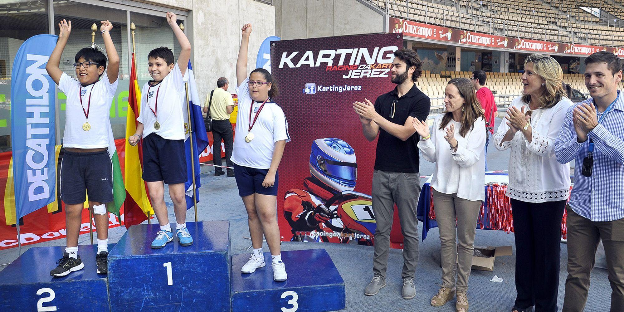 Laura Alvarez asiste atletismo escolar
