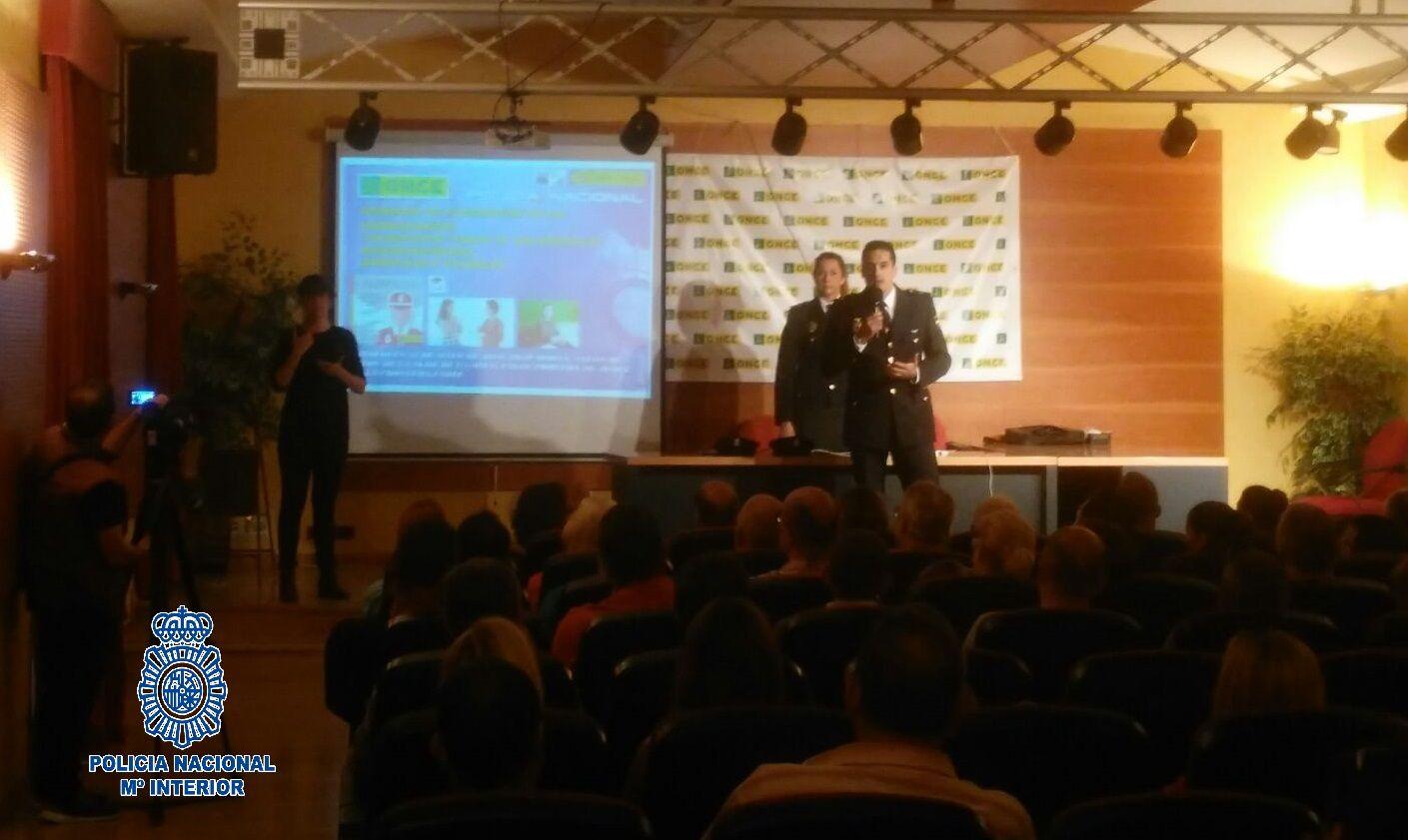 2016-05-26 Jerez ALERTCOPS para personas con discapacidad (1)