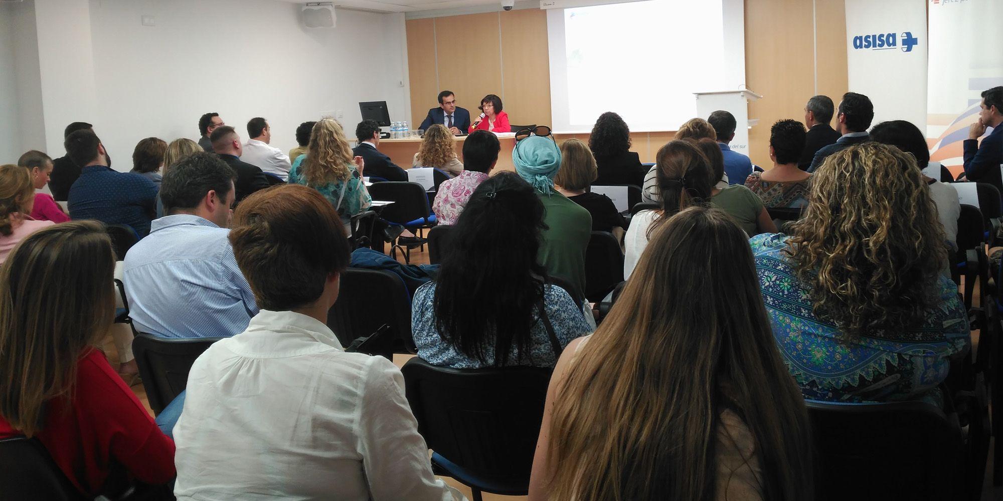 Médicos, enfermos y pacientes del centro participaron en los debates.
